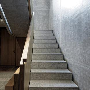 Gerade, Mittelgroße Moderne Treppe in Hamburg