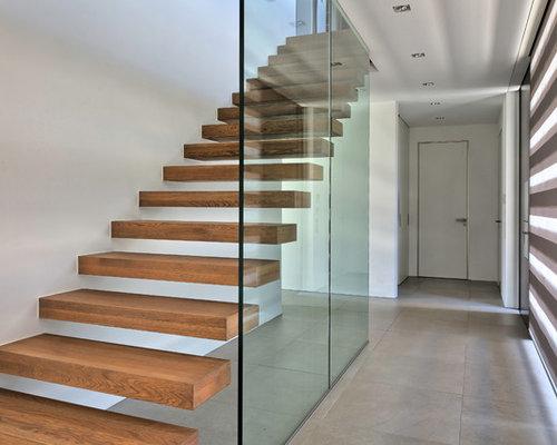 gro e holztreppen ideen f r treppenaufgang treppenhaus houzz. Black Bedroom Furniture Sets. Home Design Ideas