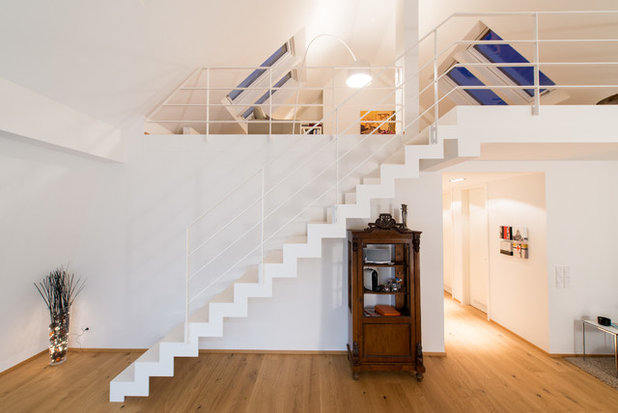 Contemporary Staircase by Spitzbart Treppen
