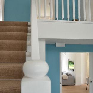 フランクフルトのコンテンポラリースタイルのおしゃれな階段の写真