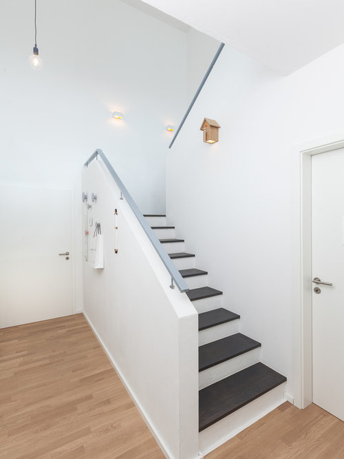 holztreppen mit beton setzstufen ideen design bilder houzz. Black Bedroom Furniture Sets. Home Design Ideas