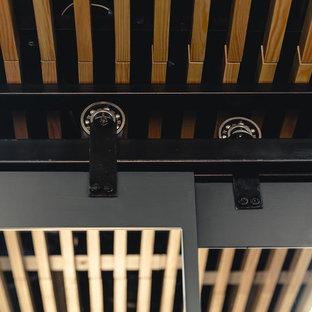 Пример оригинального дизайна: туалет среднего размера в стиле лофт с инсталляцией, синей плиткой, керамической плиткой, синими стенами, полом из керамической плитки, накладной раковиной, столешницей из дерева, оранжевым полом и желтой столешницей