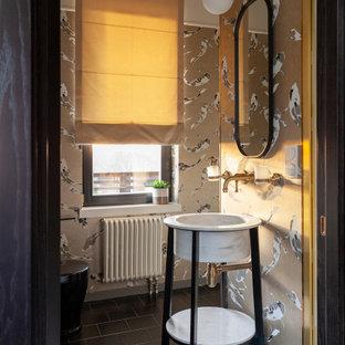 Idéer för att renovera ett vintage toalett, med beige väggar