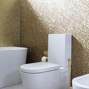 Exemple d'un WC et toilettes tendance de taille moyenne avec un placard à porte plane, des portes de placard violettes, un WC séparé, un carrelage jaune, un carrelage en pâte de verre, un mur jaune, un sol en carrelage de céramique, un lavabo encastré, un plan de toilette en surface solide, un sol blanc, un plan de toilette blanc, meuble-lavabo suspendu et un plafond en papier peint.