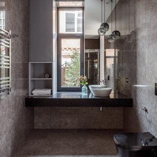 На фото: туалет в современном стиле