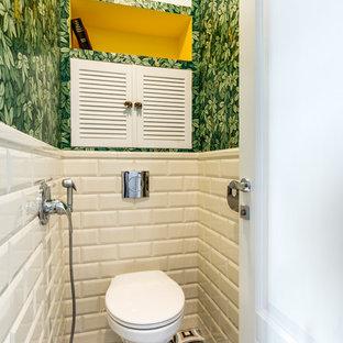 На фото: со средним бюджетом маленькие туалеты в стиле фьюжн с инсталляцией, белой плиткой, плиткой кабанчик, зелеными стенами и разноцветным полом