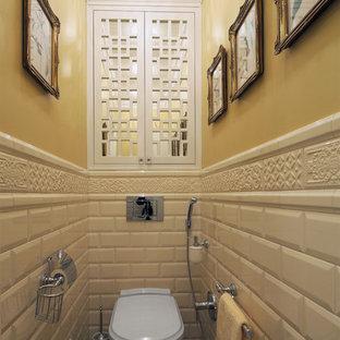 Gästetoilette & Gäste-WC mit Metrofliesen und gelber ...
