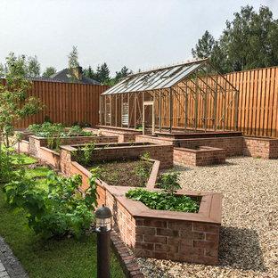 Неиссякаемый источник вдохновения для домашнего уюта: участок и сад в классическом стиле
