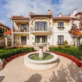 Удачное сочетание для дизайна помещения: садовый фонтан в средиземноморском стиле - самое интересное для вас