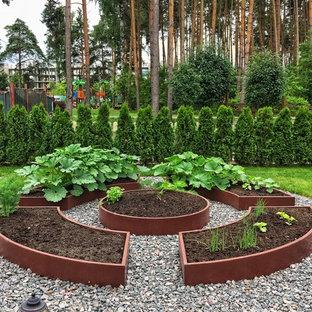 Стильный дизайн: летний огород на участке в стиле современная классика с полуденной тенью - последний тренд
