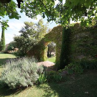 Новые идеи обустройства дома: летний сад в средиземноморском стиле