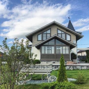 Неиссякаемый источник вдохновения для домашнего уюта: солнечный, летний участок и сад в современном стиле с освещенностью
