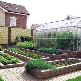 Свежая идея для дизайна: участок и сад в классическом стиле - отличное фото интерьера