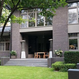 Свежая идея для дизайна: геометрический, летний участок и сад на внутреннем дворе в современном стиле с полуденной тенью и покрытием из каменной брусчатки - отличное фото интерьера