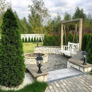 На фото: участок и сад в современном стиле