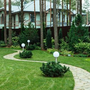 Idee per un giardino nordico esposto a mezz'ombra in estate con un ingresso o sentiero