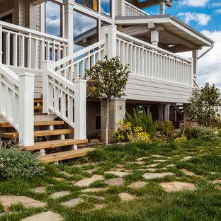 Стильный дизайн: участок и сад на заднем дворе в стиле кантри - последний тренд