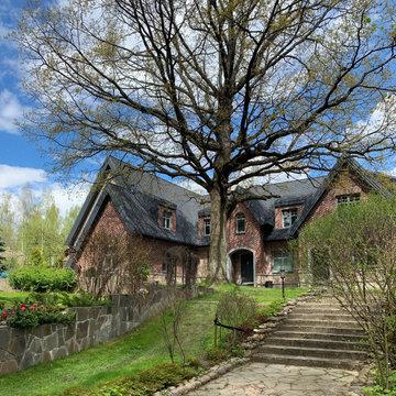 Загородный дом в стиле Тюдор
