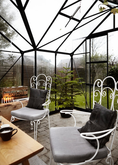Shabby-chic Style Conservatory by Mia Mortensen Photography