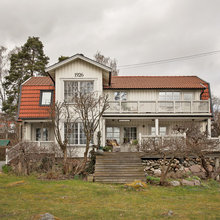 Houzz Tour: Personal warmth in the Swedish 90-year-old villa