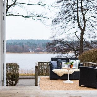 Ispirazione per un patio o portico nordico