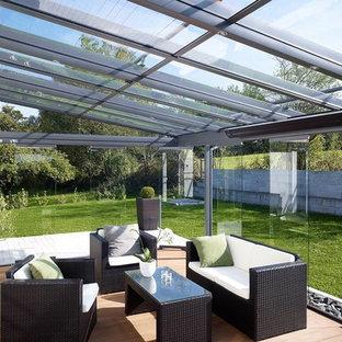 Immagine di una veranda minimalista