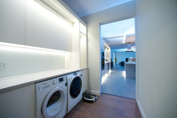 Modern Laundry Room by Conbu Interior Design