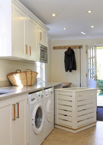 トラディショナル ランドリールーム by Beau-Port Kitchens & Interiors