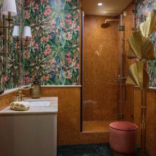 На фото: ванная комната среднего размера в современном стиле с бежевыми фасадами, душем в нише, мраморной плиткой, разноцветными стенами, мраморным полом, врезной раковиной, мраморной столешницей, зеленым полом, душем с распашными дверями, бежевой столешницей и оранжевой плиткой с