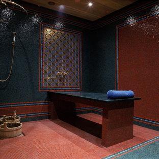 Foto di una stanza da bagno con doccia etnica di medie dimensioni con doccia aperta, piastrelle rosse, piastrelle a mosaico, pareti multicolore, pavimento con piastrelle a mosaico, top in marmo, pavimento turchese e top verde