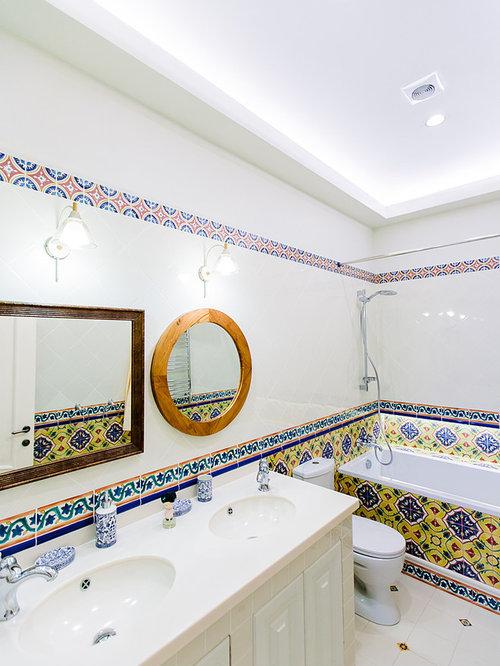 mediterrane badezimmer mit farbigen fliesen ideen design. Black Bedroom Furniture Sets. Home Design Ideas