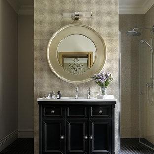 Идея дизайна: большая ванная комната в стиле современная классика с фасадами с утопленной филенкой, черными фасадами, душем без бортиков, серой плиткой, мраморной плиткой, полом из сланца, душевой кабиной, мраморной столешницей, черным полом, душем с распашными дверями и белой столешницей