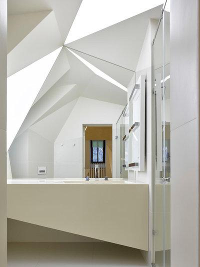 コンテンポラリー 浴室 by Кузьма Зорин