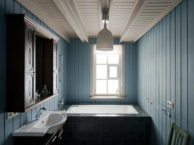 Кантри Ванная комната by Архитектурная мастерская Petr & Pavel
