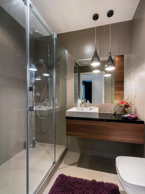 badezimmer mit einbauwaschbecken und porzellan bodenfliesen design ideen beispiele f r die. Black Bedroom Furniture Sets. Home Design Ideas