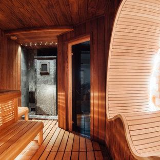 Идея дизайна: баня и сауна в современном стиле с коричневой плиткой