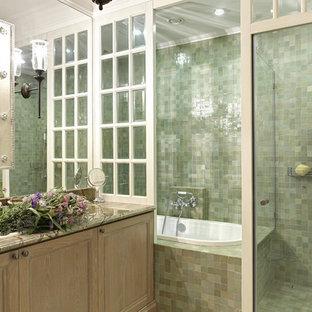 Пример оригинального дизайна: маленькая главная ванная комната в стиле современная классика с фасадами с утопленной филенкой, искусственно-состаренными фасадами, душем в нише, зеленой плиткой, цементной плиткой, полом из керамогранита, накладной раковиной, мраморной столешницей и накладной ванной