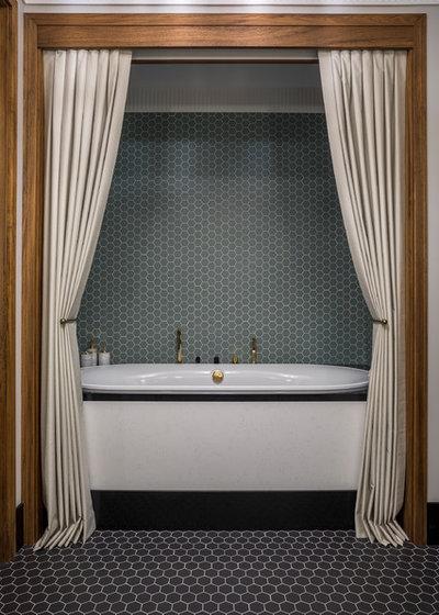 Неоклассика Ванная комната by MARION STUDIO