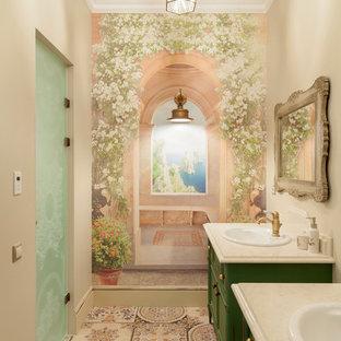 Inredning av ett shabby chic-inspirerat mellanstort badrum, med möbel-liknande, gröna skåp, ett nedsänkt handfat och dusch med gångjärnsdörr