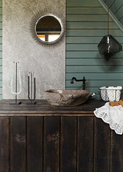 Farmhouse Bathroom by IN-DECO