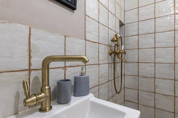 Кантри Ванная комната by Elena Zinger