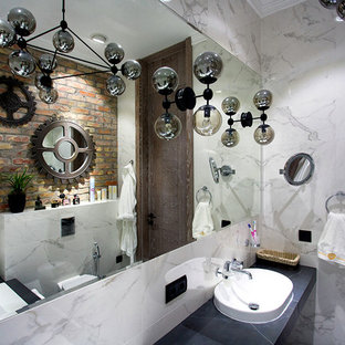 На фото: главные ванные комнаты в стиле лофт с инсталляцией, белой плиткой, коричневыми стенами и накладной раковиной