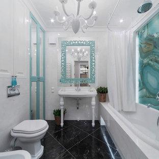Удачное сочетание для дизайна помещения: ванная комната в стиле современная классика с фасадами с выступающей филенкой, белыми фасадами, душем над ванной, белой плиткой, синей плиткой, керамогранитной плиткой, белыми стенами, полом из керамогранита, консольной раковиной, черным полом, шторкой для душа, накладной ванной, унитазом-моноблоком и душевой кабиной - самое интересное для вас
