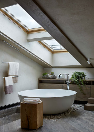 Contemporary Bathroom by BHD-Studio