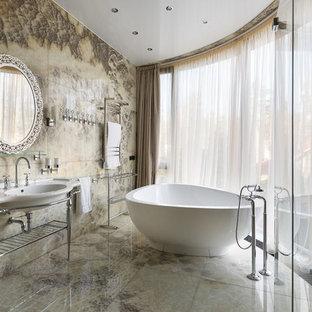 Новый формат декора квартиры: ванная комната в стиле современная классика с отдельно стоящей ванной и консольной раковиной