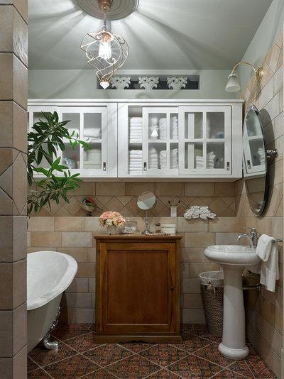 Классический Ванная комната by Надежда Маций / NMproject