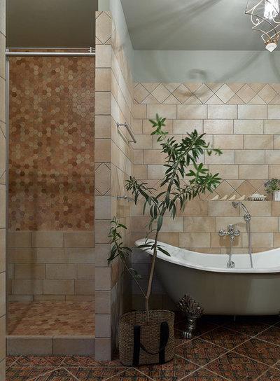 Современная классика Ванная комната by Надежда Маций / NMproject