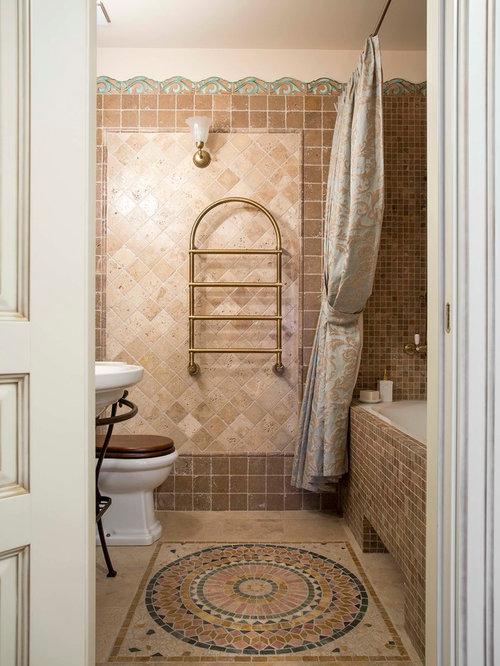 salle de bain avec un carrelage marron et un mur beige photos et id es d co de salles de bain. Black Bedroom Furniture Sets. Home Design Ideas