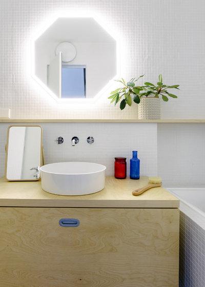Современный Ванная комната by Схема