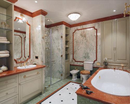 salle de bain victorienne avec un lavabo pos photos et id es d co de salles de bain. Black Bedroom Furniture Sets. Home Design Ideas